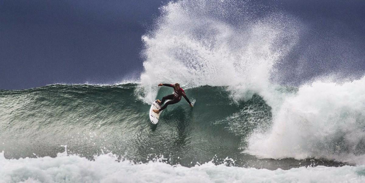sigpic-surfing2