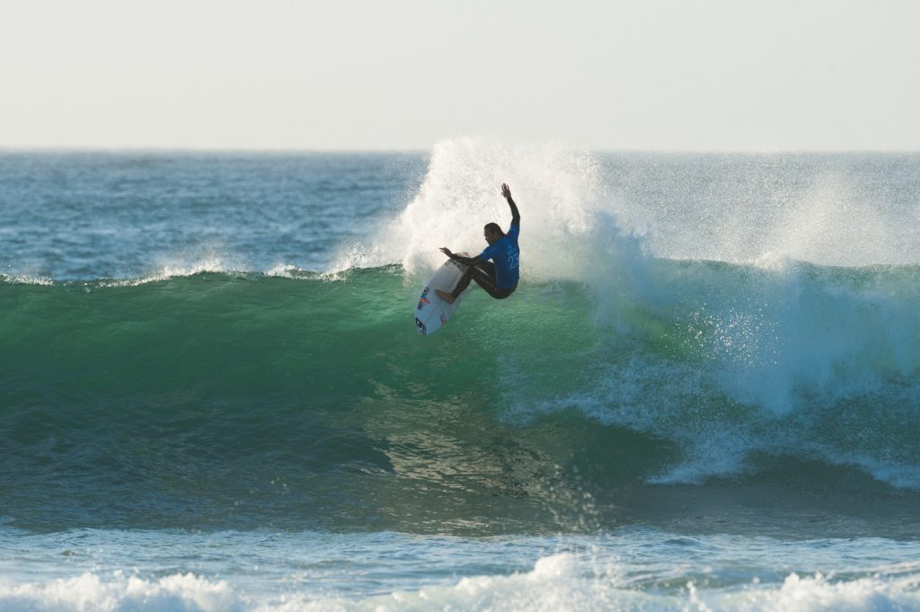 Jordy Smith in action ©Kody McGregor