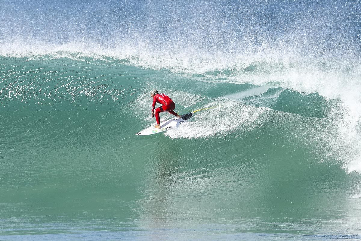 Filipe Toledo banked the highest score of the day with a heat total of 19.63 © WSL / Tostee